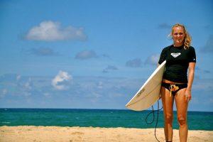 ラッシュガードの選び方!プールや海での紫外線対策に最適